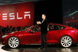 Tesla — разгон до 97 километров в час за 2,8 секунды