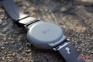 LG занята разработкой гибридных смарт-часов Watch Timepiece»